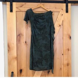 Save the Queen asymmetrical dress size Small